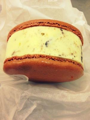 Macaron Sandwich con helado de Cookies and Cream_Milk picasa