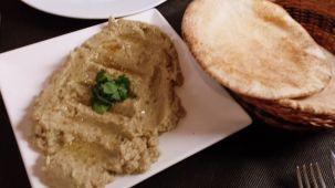 """Hummus"" de berenjenas"