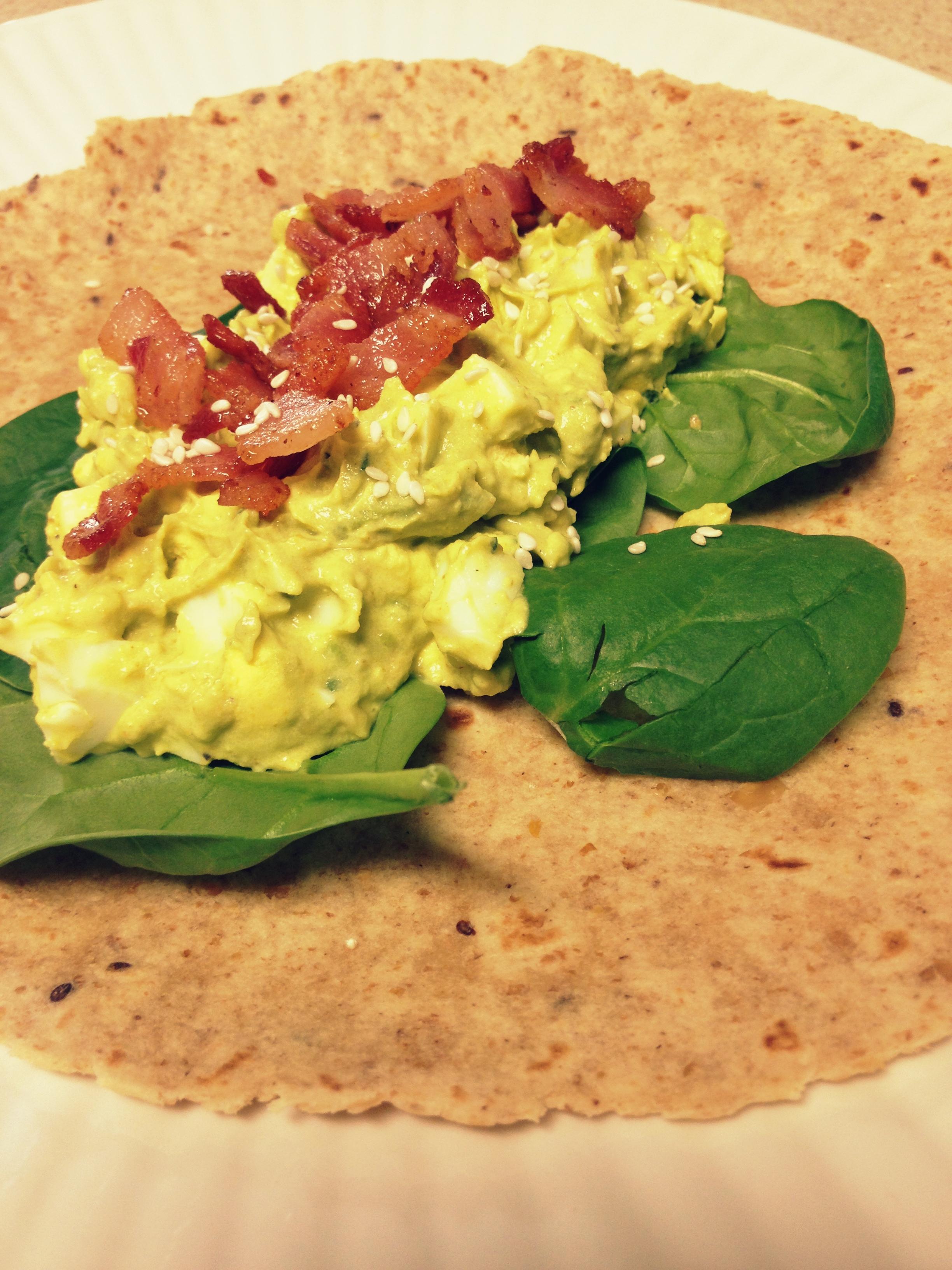 Wraps de aguacate, bacon, huevo y curry – Avocado, bacon, egg and ...