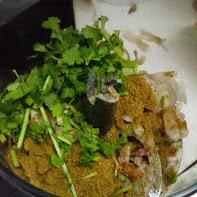 Mezclar los ingredientes de la pasta de curry