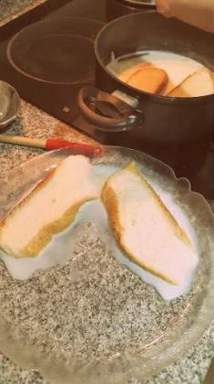 Sacar a un plato con cuidado