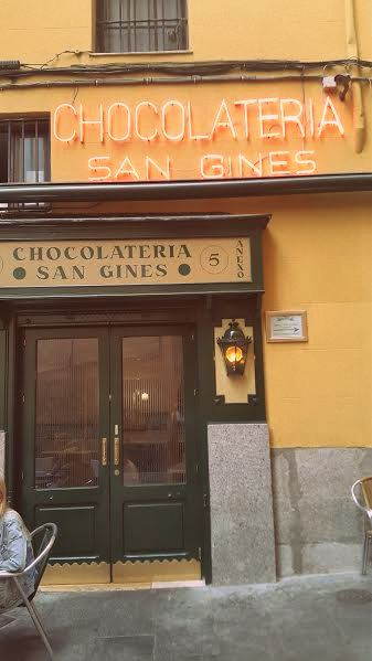 Entrada Chocolatería San Ginés