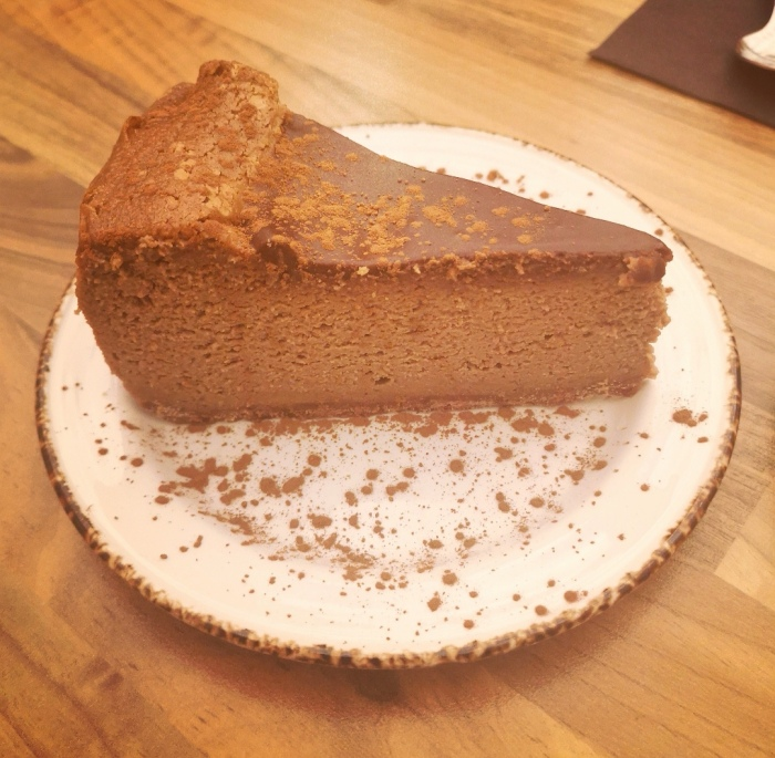 Tarta de chocolate y avellana