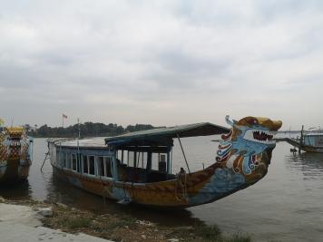 Barco dragón - río Perfume
