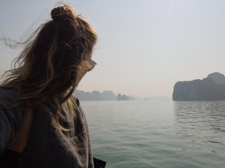 Por fin, Hanói… Ah, no, esto es la bahía de Ha Long.Ups
