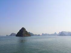 Bahía de Ha Long 13