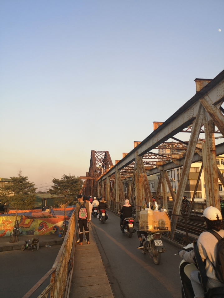 Puente de Long Bien